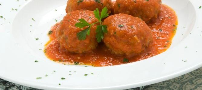Albóndigas en salsa | Restaurante El Picaor
