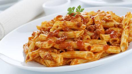 Macarrones a la boloñesa | Restaurante El Picaor